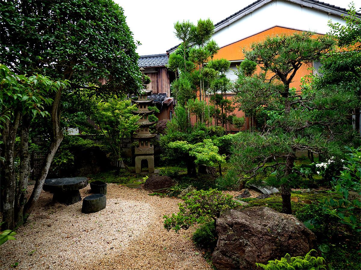 日吉津村N邸  和を作るリガーデンの庭
