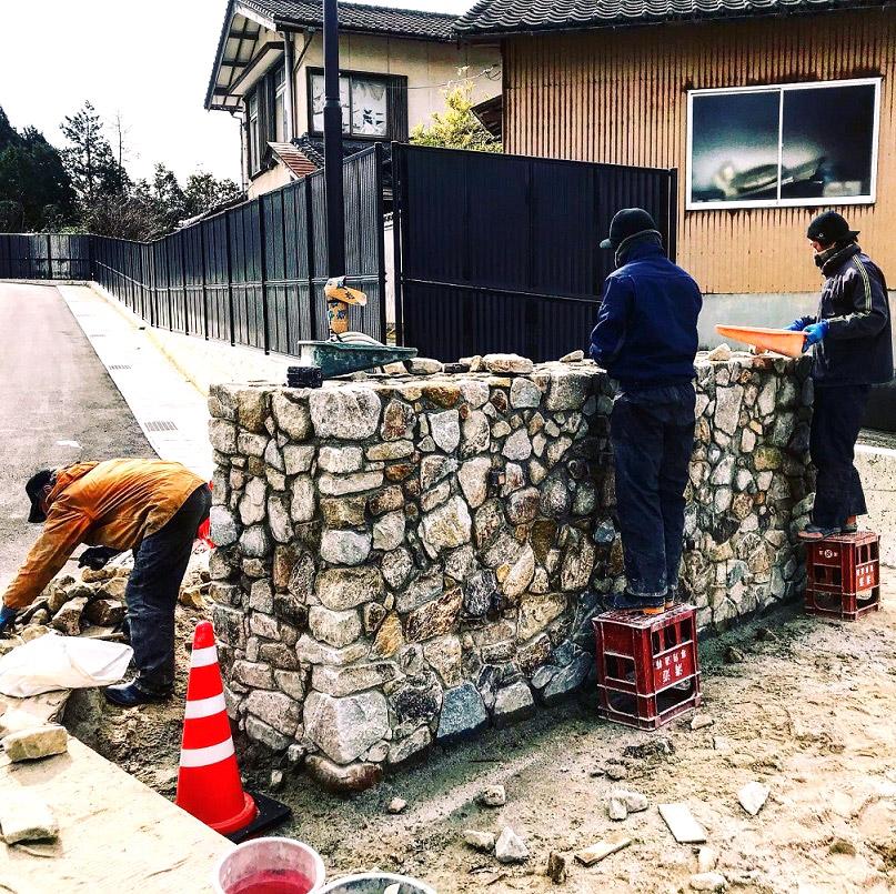 松江市 グリーンテラス黒田 石積モニュメント工事